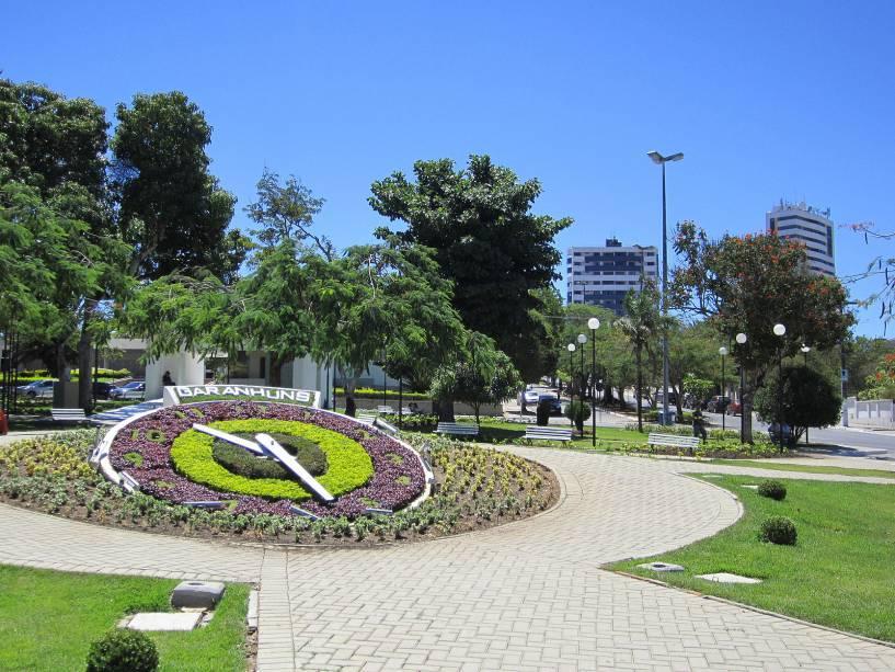 O relógio de flores é um dos canteiros que garantem o colorido e a beleza da cidade o ano todo.