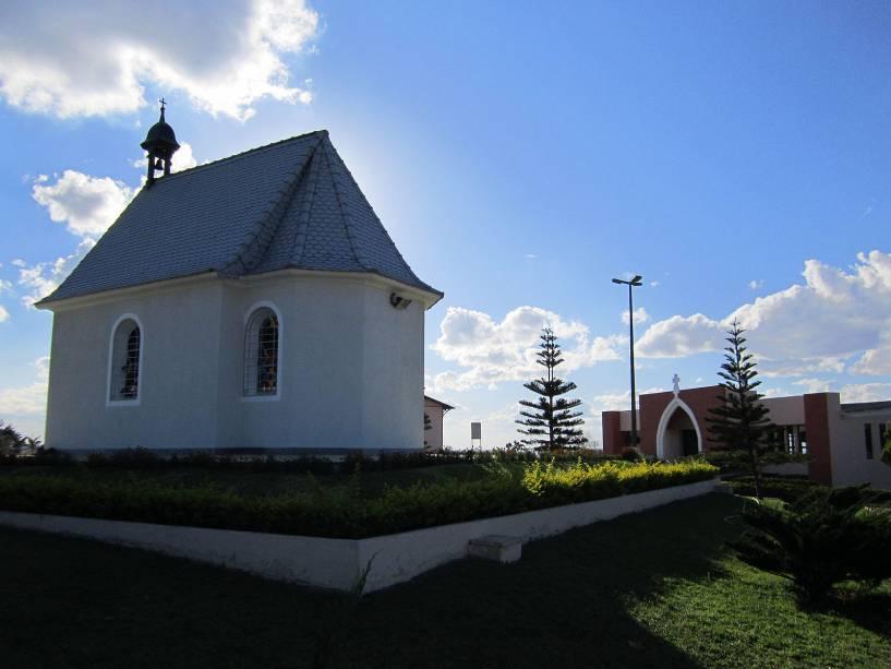 O Santuário de Mãe Rainha foi construído entre 2002 e 2004. É administrado pelas Irmãs de Maria de Schoenstatt e ainda é visitado por religiosas de várias partes do mundo.