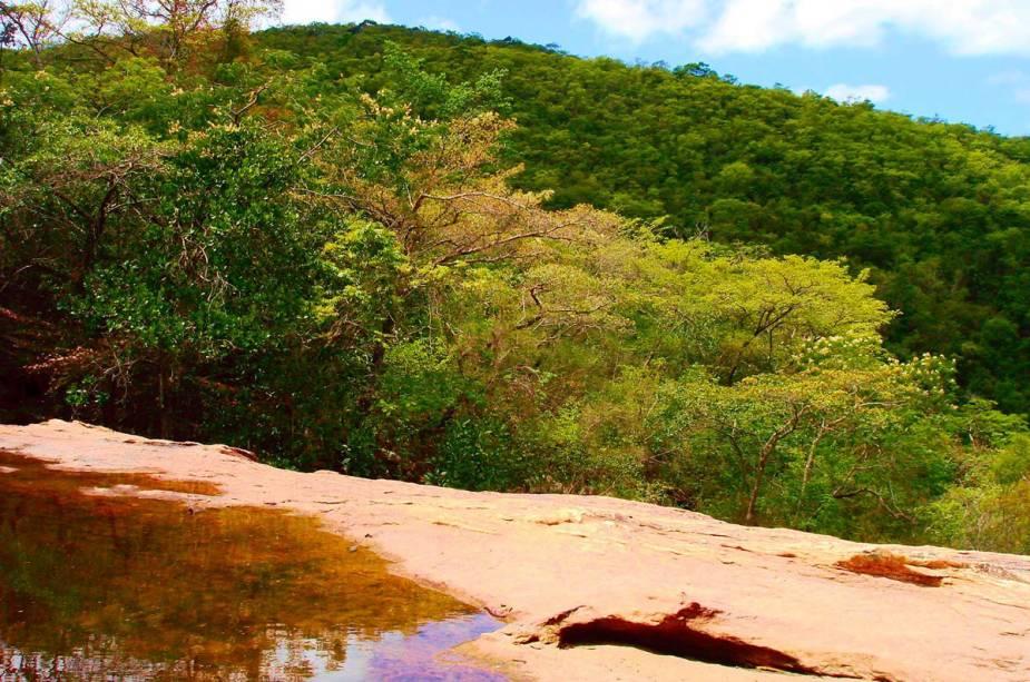 """Cachoeira das Rodas, uma das atrações da""""http://viajeaqui.abril.com.br/cidades/br-ba-vale-do-capao"""" rel =""""Vale do Capão"""" Meta =""""_vazio""""> Vale do Capão na Bahia"""" classe =""""carga preguiçosa"""" data-pin-nopin =""""verdadeiro""""/></div> <p class="""