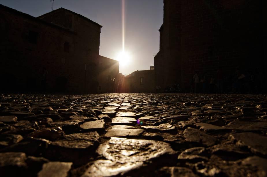 Noite nas ruas medievais de Cáceres