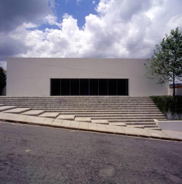 No prédio modernista da Casa de Cultura acontecem exposições temporárias, filmes e cursos