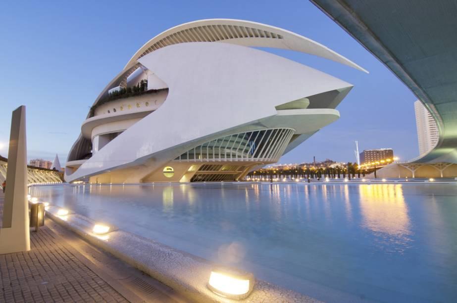 Concertos e óperas acontecem no Palácio das Artes Rainha Sofia, de Santiago Calatrava, em Valência