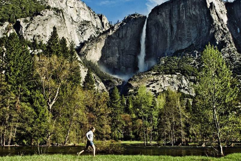 Yosemite Falls, Califórnia.  Passeio altamente recomendado para quem visita o parque nacional.