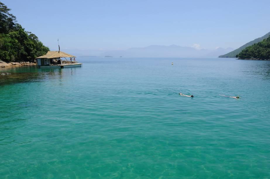 As águas da Lagoa Azul são muito claras e calmas, o que a torna um excelente local para mergulho.