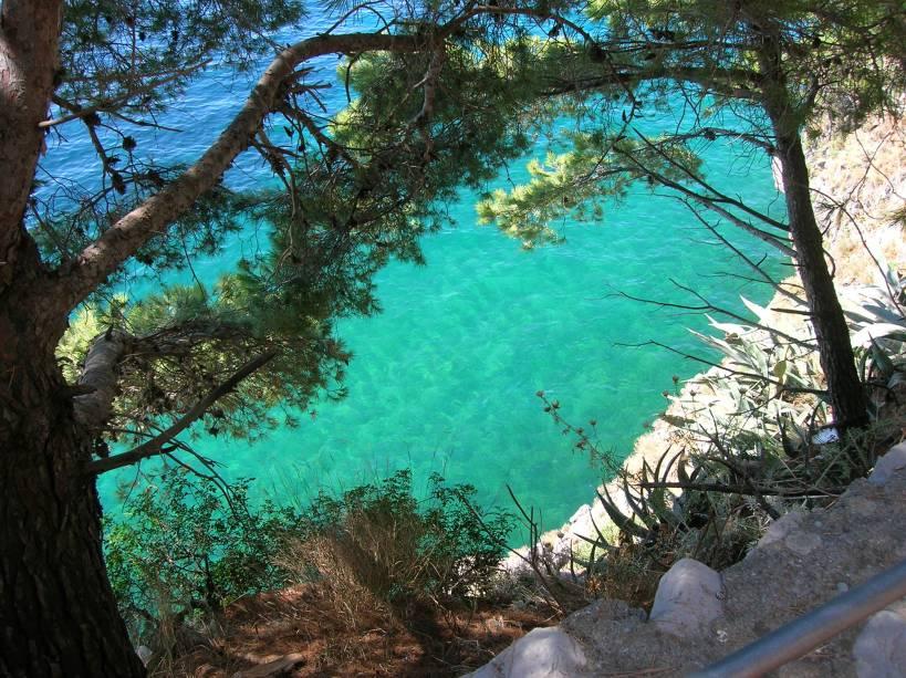 A água verde límpida típica de Positano