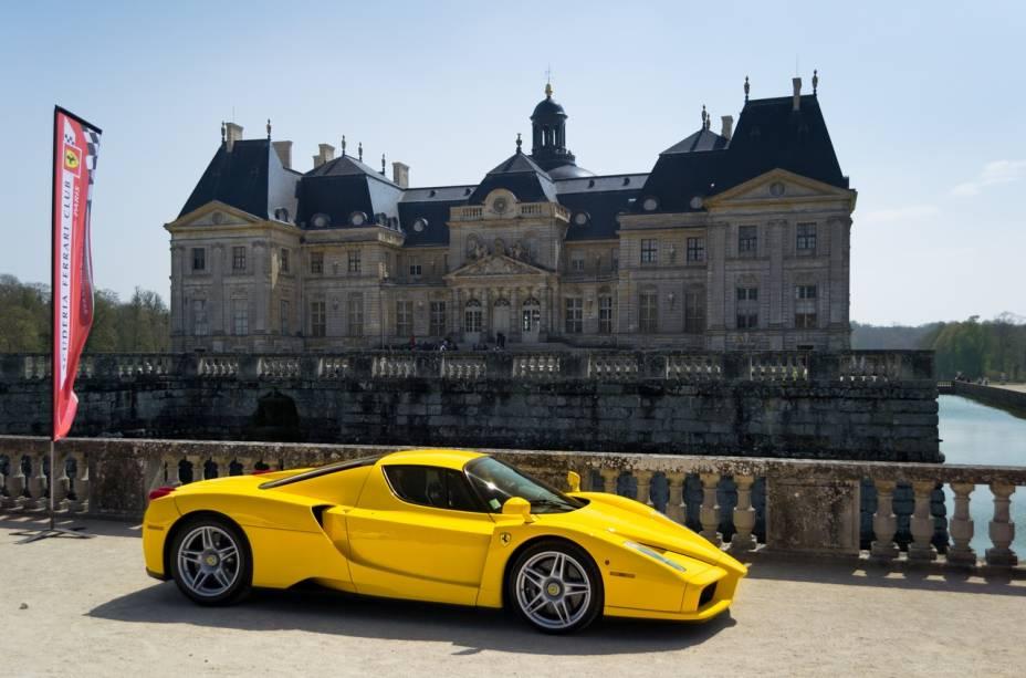 """Terra de Enzo Ferrari,""""http://viajeaqui.abril.com.br/cidades/italia-modena"""" rel =""""Modena"""" Meta =""""_vazio""""> Modena é tão importante na história da marca de automóveis que existe um modelo da Ferrari com o nome da cidade"""" class=""""lazyload"""" data-pin-nopin=""""true""""/></div> <p class="""