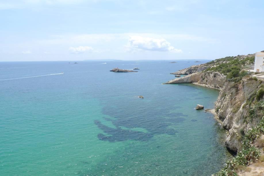 As falésias também são um cenário de cartão-postal para Formentera