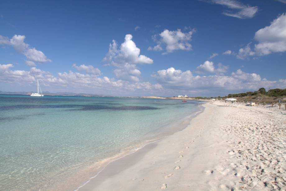 Formentera tem mais de 20 quilômetros de praias de águas límpidas