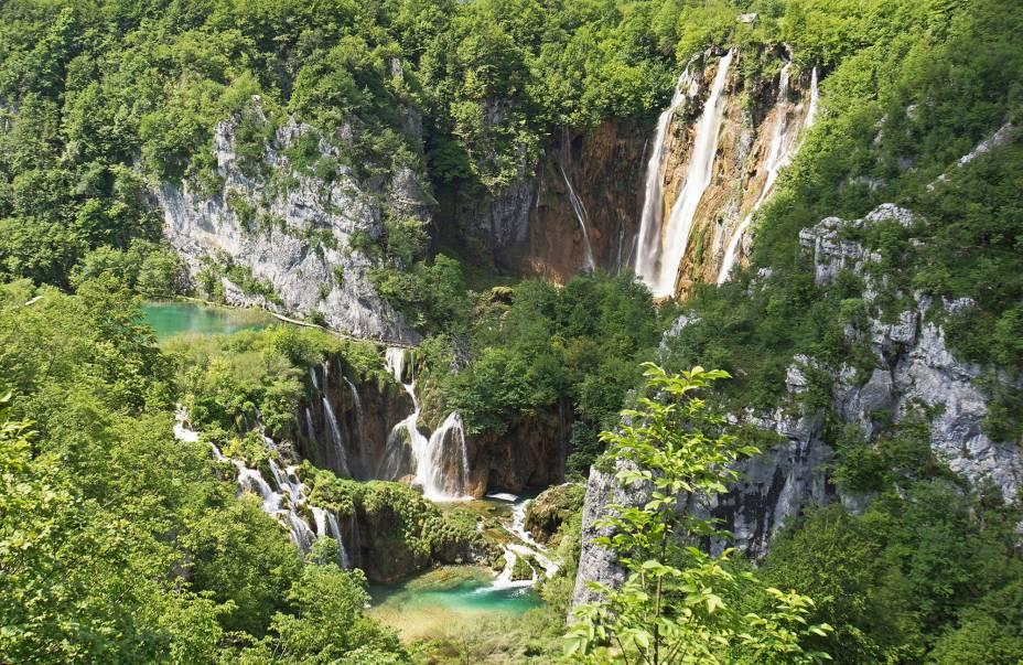 Plitvice é considerado um dos parques mais bonitos do mundo e é Patrimônio Mundial da UNESCO desde 1979