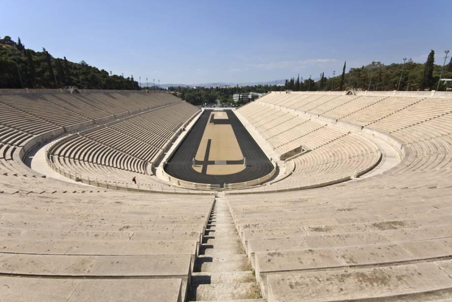 O Estádio Panatenaico foi reconstruído várias vezes e tem mais de 2.300 fundações originais