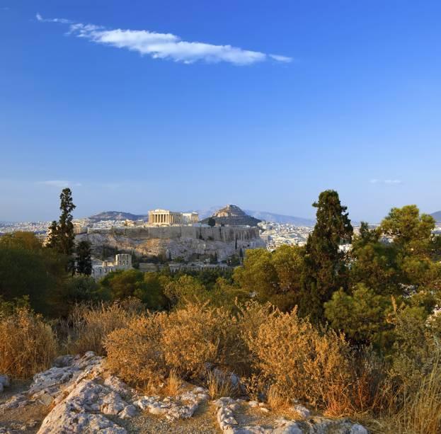 A Acrópole, construída há 2.500 anos, é considerada o mais importante complexo cultural da cultura ocidental