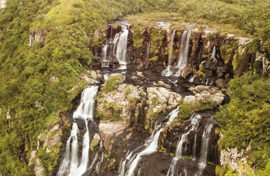 A cachoeira do Tigre Preto é parada obrigatória para quem faz a trilha do Cânion Fortaleza