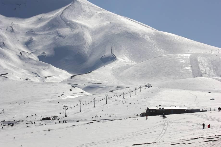 Corralco é um pouco mais frio que as estações de esqui próximas a Santiago e com muita neve fresca é uma das atrações do inverno chileno