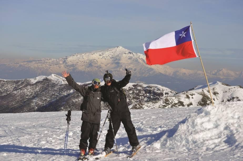 Esquiadores em Corralco, Chile