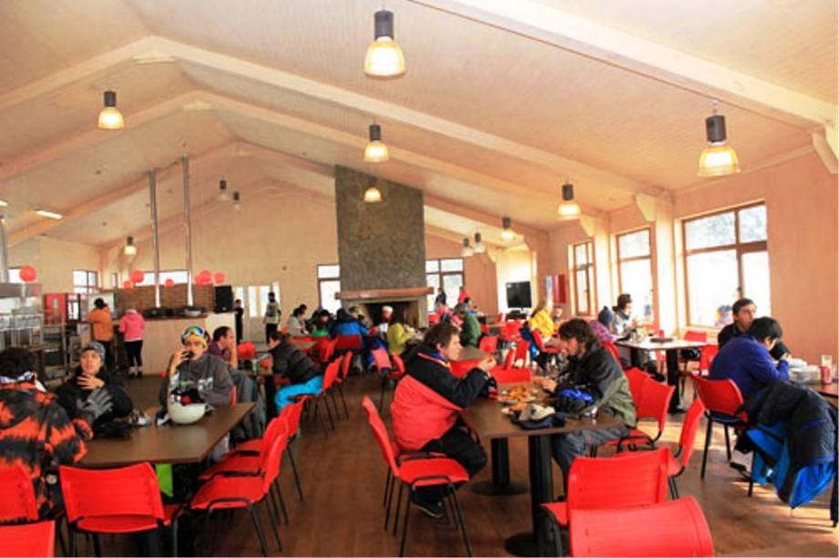 Um dos cafés da área de esqui de Corralco