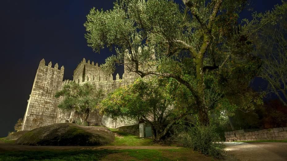 Vista noturna do Castelo de Guimarães