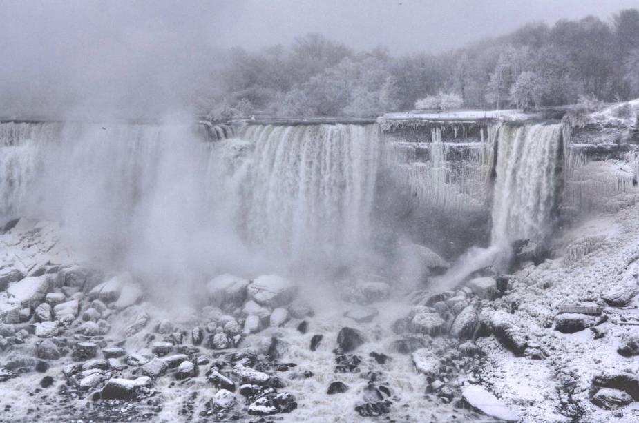 Cataratas do Niágara sem inverno rigoroso
