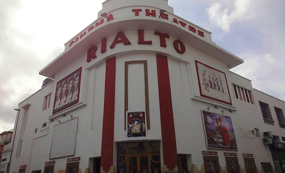 O cinema Rialto é uma das atrações culturais mais populares de Casablanca.  A arquitetura estava dentro <em><noscript><img data- src=