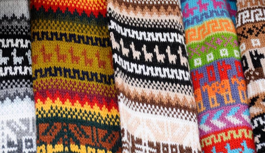 Malhas de lã no Peru.  Moedas coloridas são uma das marcas registradas da país
