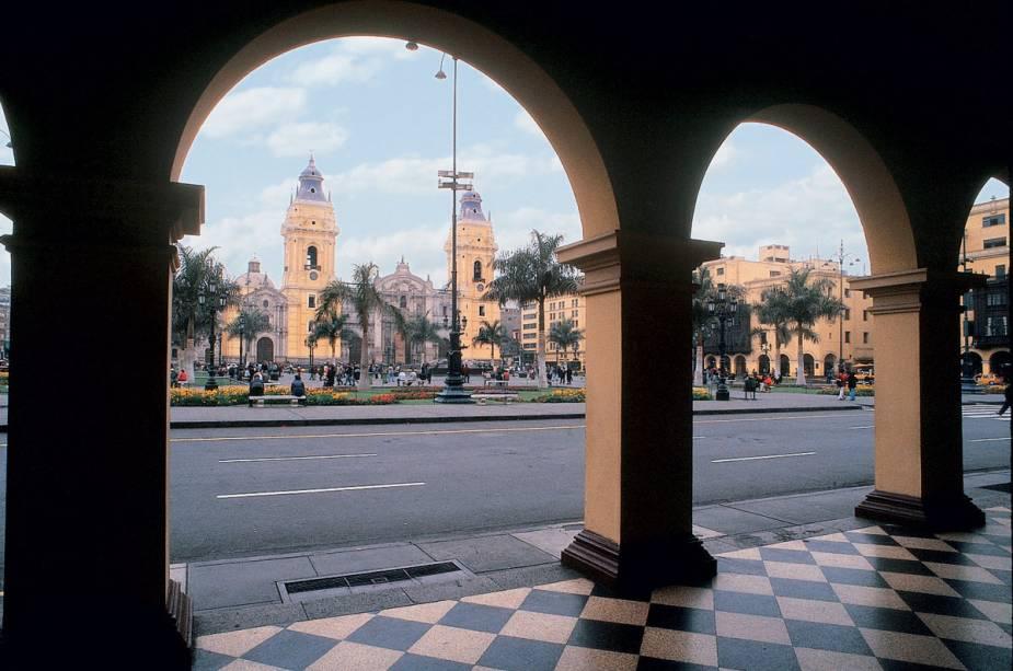 Com seus edifícios arqueados e varandas de madeira, o centro histórico de Lima é perfeito para ótimas fotos