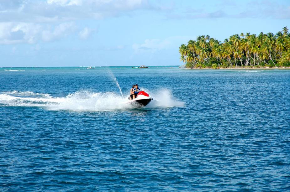 Jet ski em Pigeon Point, Tobago