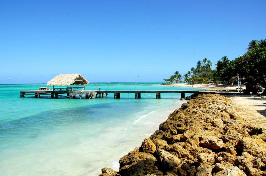 Pigeon Point é mais acessível e popular e também é um dos mais bonitos de Tobago