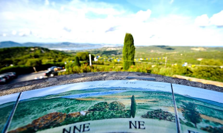 À beira-mar, Gassin oferece vistas incríveis da península francesa de Saint Tropez