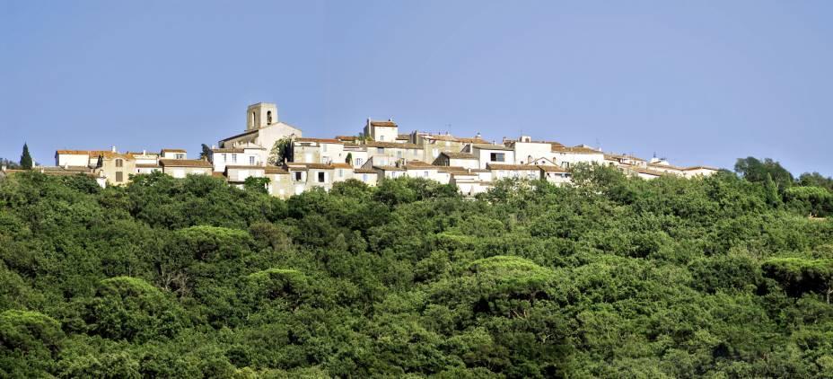 Em Gassin, França, as paisagens encantadoras tornam o festival de turismo
