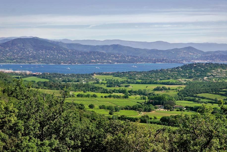 O mar de Gassin na França reflete o que de melhor a região tem a oferecer