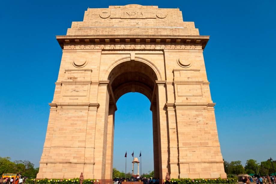 O Portal da Índia é o monumento nacional da Índia e homenageia soldados que morreram em guerras durante as primeiras décadas do século XX.  Foi inaugurado em 1931, quando o país ainda era uma colônia britânica.  Aqui está a tumba do soldado desconhecido