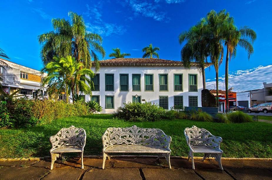O Museu da Cidade João Batista Conti possui um acervo que abrange três períodos da história brasileira: colônia, império e república