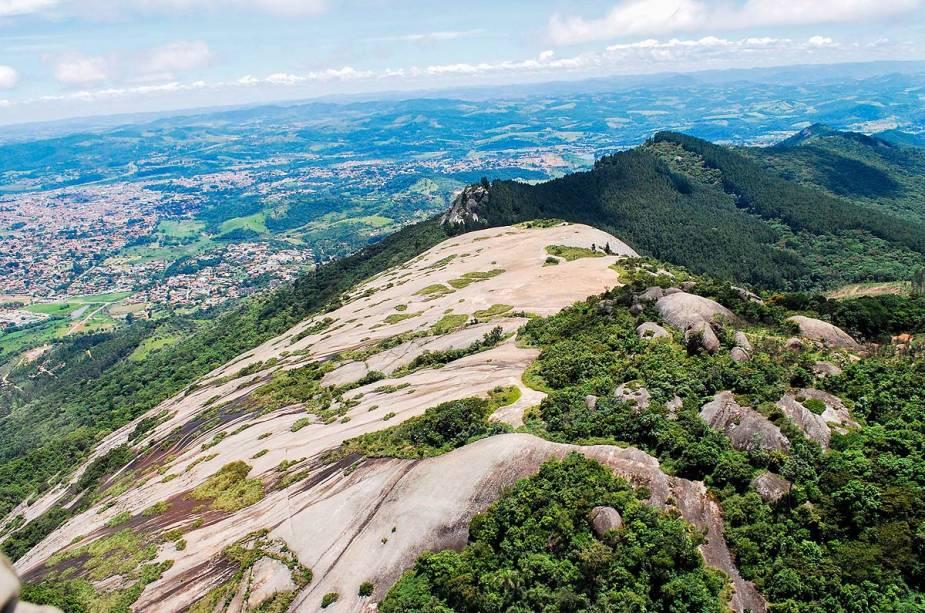 Monumento Natural Estadual da Pedra Grande, um dos mais famosos de Atibaia (SP)