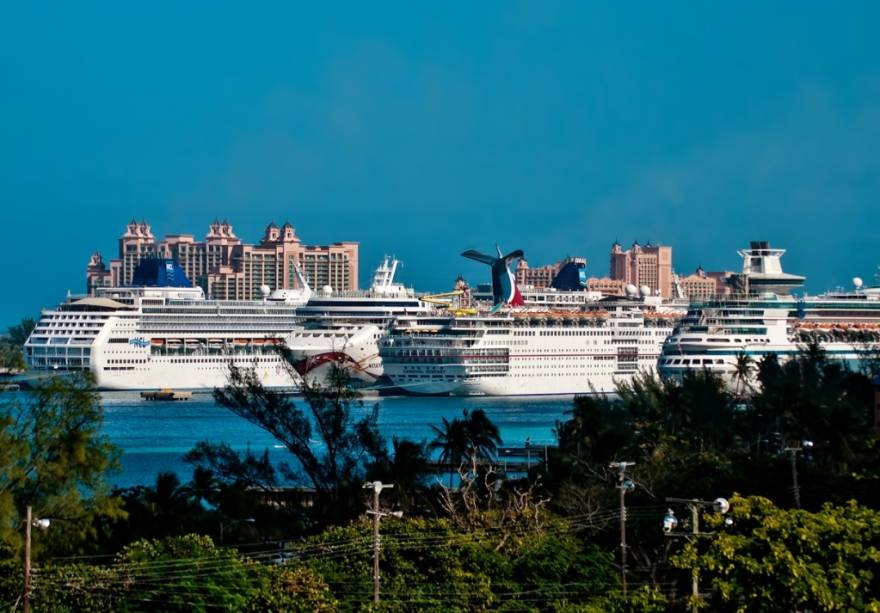 """Terminal de cruzeiros""""http://viajeaqui.abril.com.br/cidades/bahamas-nassau"""" rel =""""Nassau"""" Meta =""""_vazio""""> Nassau, um dos destinos turísticos mais populares para os norte-americanos"""" class=""""lazyload"""" data-pin-nopin=""""true""""/></div> <p class="""
