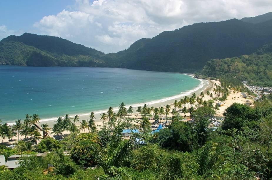 A praia de Maracas, no norte da ilha de Trinidad, é a mais famosa da ilha.  É popular entre os habitantes locais e turistas