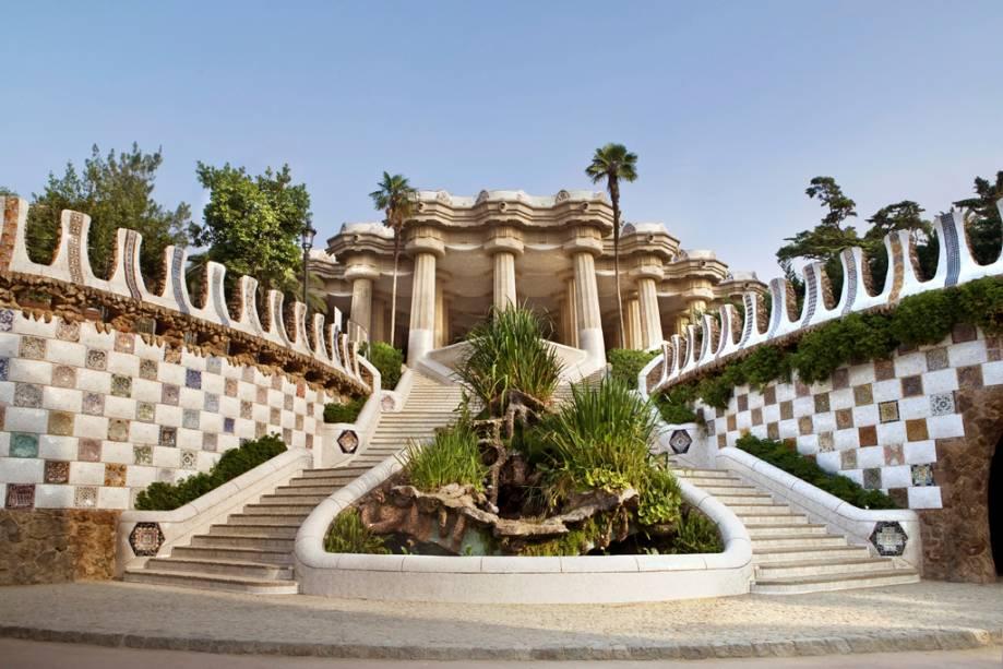 Os jardins e pavilhões do Parc Güell, obra de Gaudí, tornaram-se uma das grandes áreas de lazer da cidade
