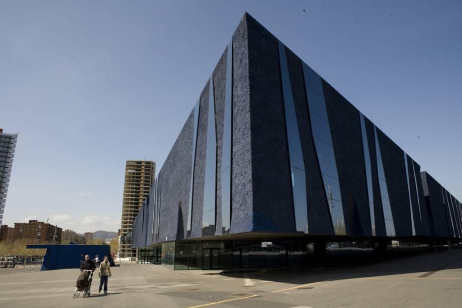 Edifício do Fórum de Barcelona projetado pelos arquitetos Jacques Herzog e Pierre de Meuron