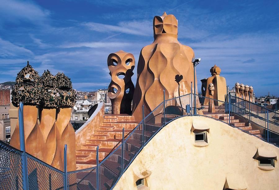As formas exóticas da Casa Milá geraram polêmica quando foi construída por Gaudí no século 19