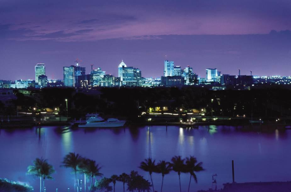 "Os diferentes canais de""http://viajeaqui.abril.com.br/cidades/estados-unidos-fort-lauderdale"" rel =""Fort Lauderdale""><noscript><img data- src="