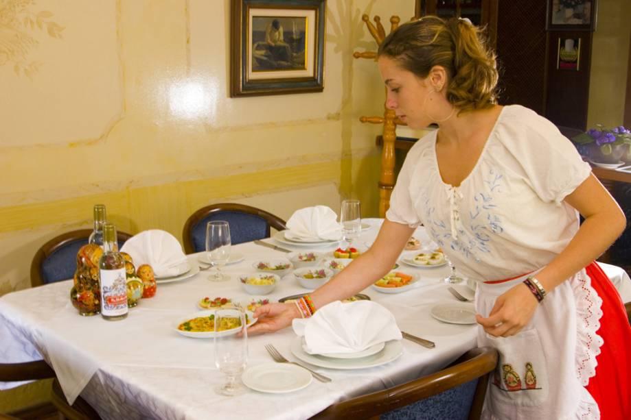 A proposta do restaurante Dona Irene é servir um verdadeiro banquete russo ao estilo do século XIX