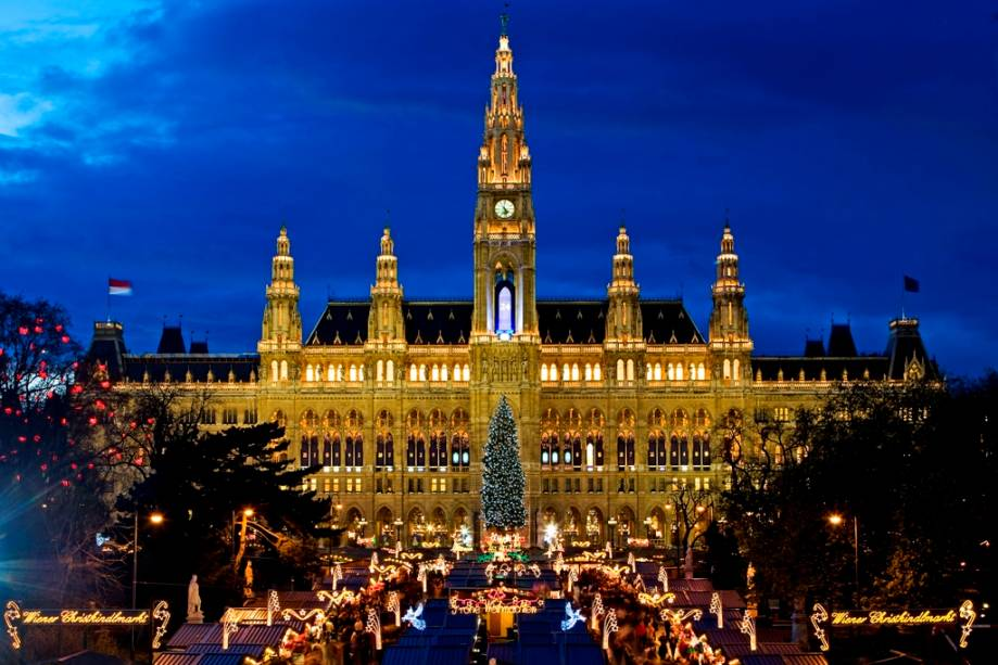 A Prefeitura de Viena, uma prefeitura, é um edifício gótico do século 19 e também serve como sede do conselho municipal