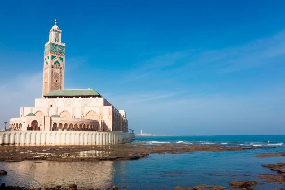 A grandeza da Mesquita Hassan II em Casablanca.  Os passeios aqui são apenas com guia e devem ser planejados com antecedência