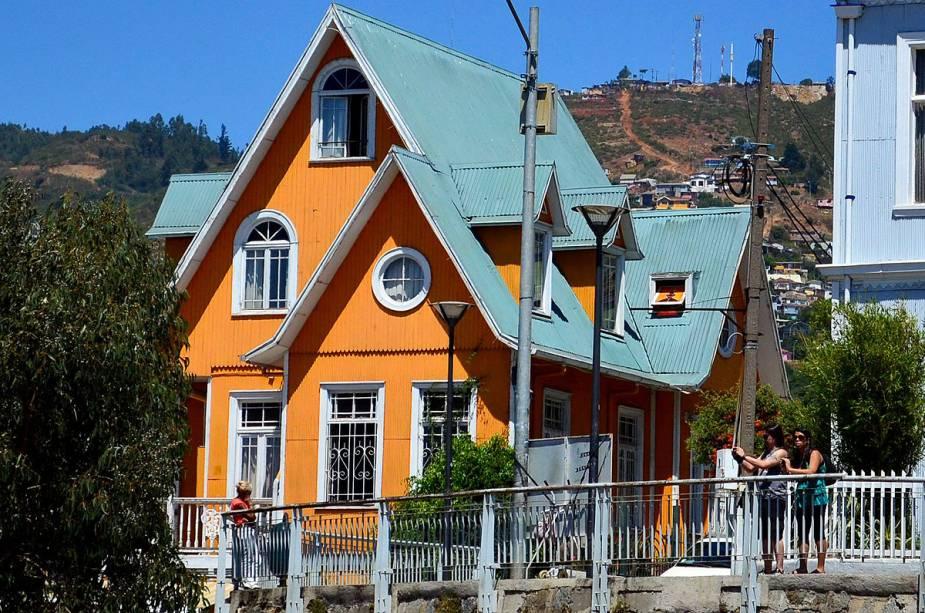 O Brighton Hotel oferece happy hour com vista para o Pacífico, uma das vistas mais privilegiadas da cidade de Valparaíso