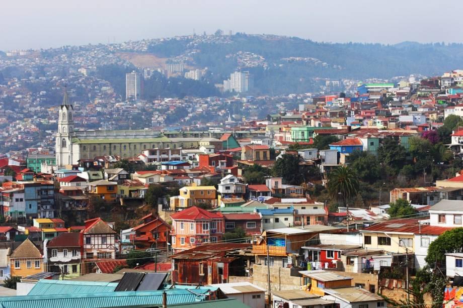A cidade portuária de Valparaíso, a 144 km de Santiago, é como uma enorme praça de touros com vista para o Pacífico.