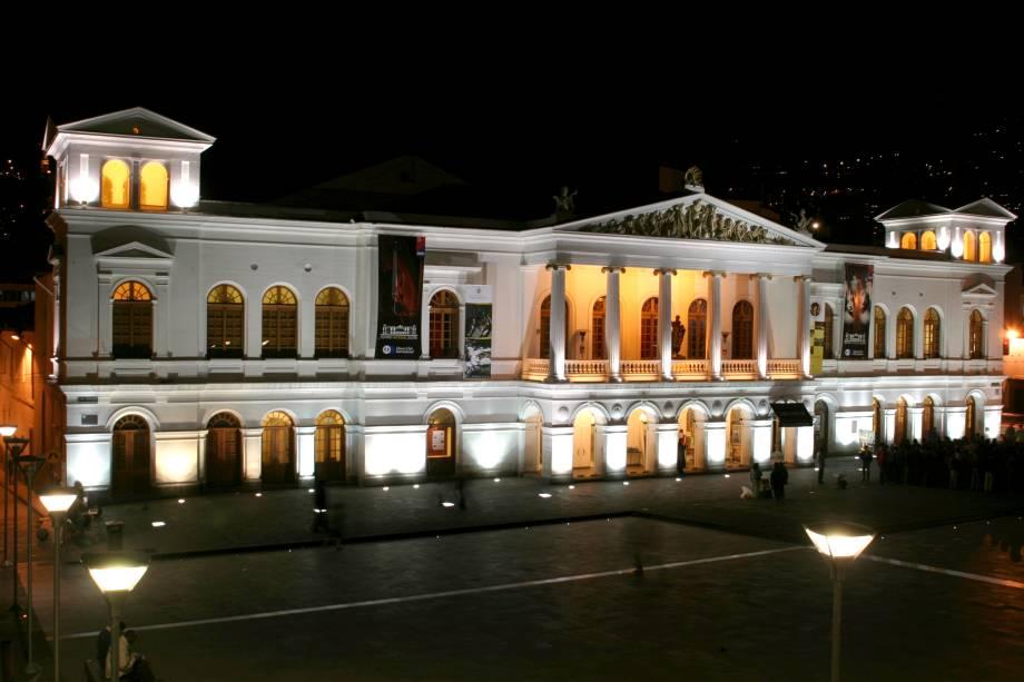 O Teatro Sucre é o espaço artístico mais bonito de Quito, capital do Equador.  É também o lar de um dos restaurantes mais sofisticados da cidade.
