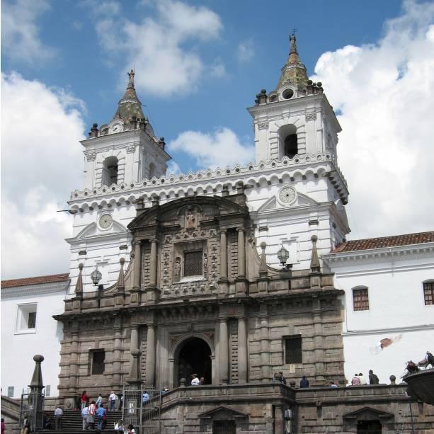 A Igreja e Convento de São Francisco é um dos conjuntos arquitetônicos mais populares de Quito, capital do Equador.  A construção teve início em 1536 e foi concluída em 1605. Está localizado a duas quadras do centro histórico da cidade.