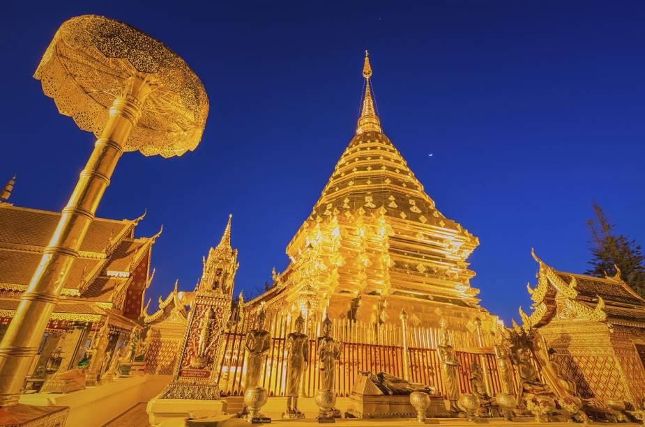 Templo Wat Phra That Doi, o mais importante de Chiang Mai, Tailândia