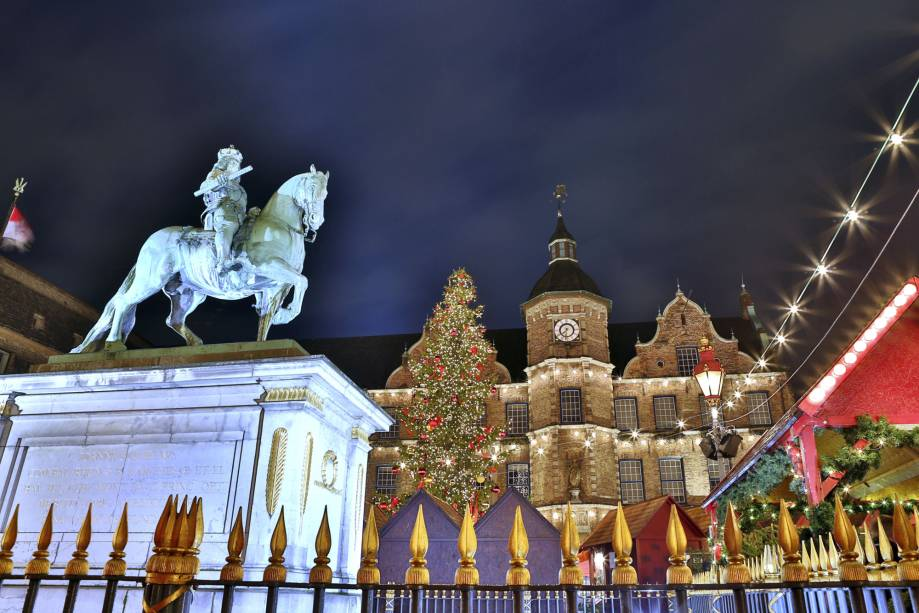 O mercado de Natal de Düsseldorf é tradicional, como em muitas outras cidades alemãs