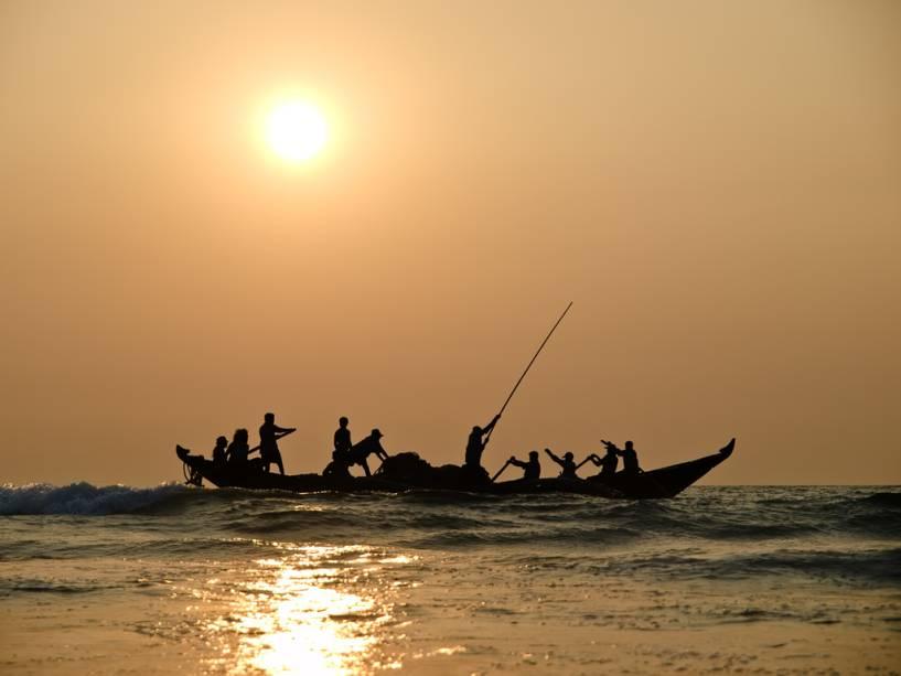 Pesca tradicional em alto mar em Goa