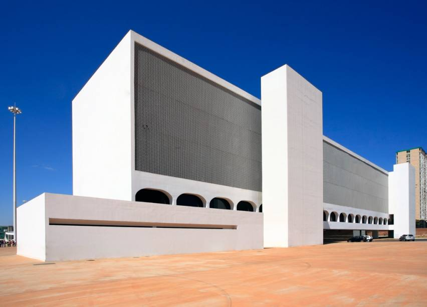 A Biblioteca Nacional de Brasília e o Museu Nacional fazem parte do complexo cultural da república projetado por Niemeyer