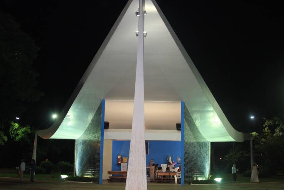 O primeiro templo religioso da cidade, a Igrejinha Nossa Senhora de Fátima, foi construído a mando da então primeira-dama Sarah Kubitschek para fazer uma promessa